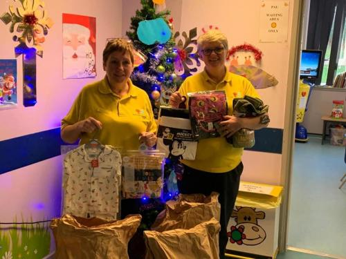 Our lovely volunteer Samera dropped some of your donations off to Darenth Valley Hospital yesterday. Even more smiles because of your generosity. Thank you Donna an Sharon for posing for pics.